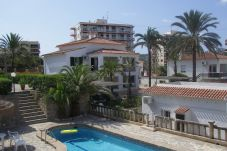 Apartment for 8 people in Javea