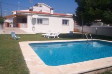 Villa with 3 rooms at 100 m from the beach