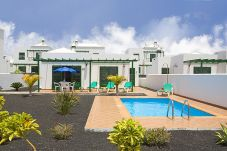 Villa with swimming pool in Playa Blanca