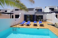 Villa with 3 rooms at 1800 m from the beach