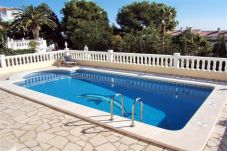 Villa in Alcocebre / Alcossebre at 200 m from the beach
