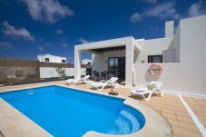 Villa with 3 rooms at 2000 m from the beach