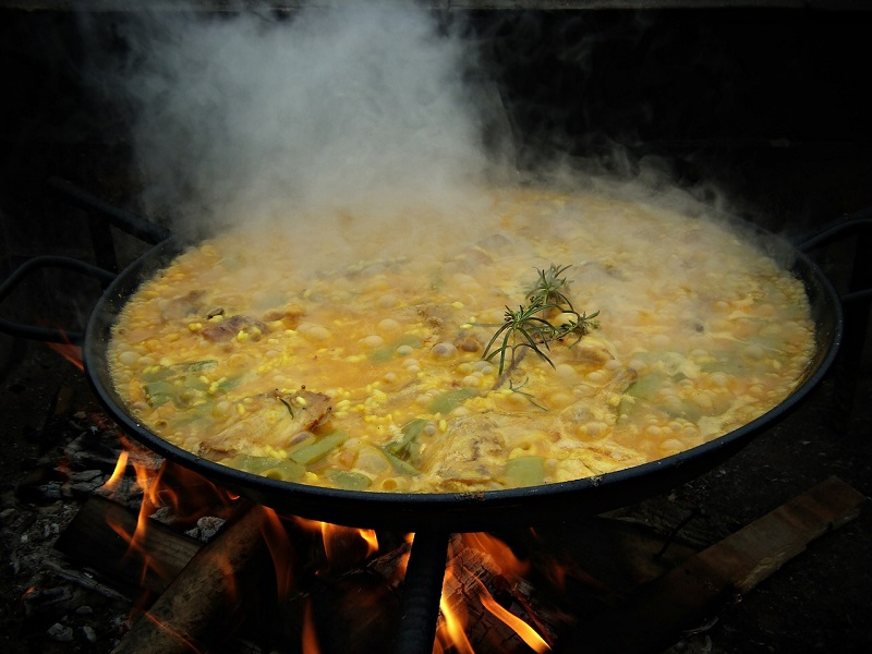 Authentic valencian paella