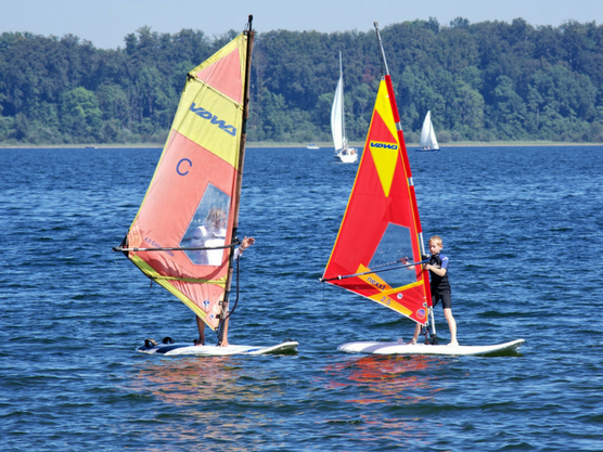 water-sports-for-children-windsurf