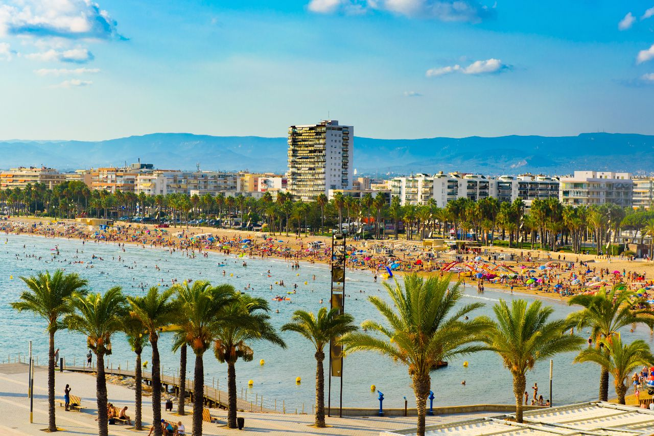 Port A Escapes >> Beaches Salou: prepare your next holiday in Spain!