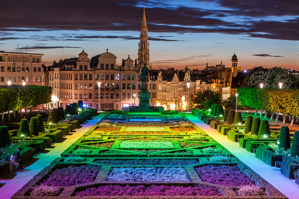 things to do in brussels grand place square