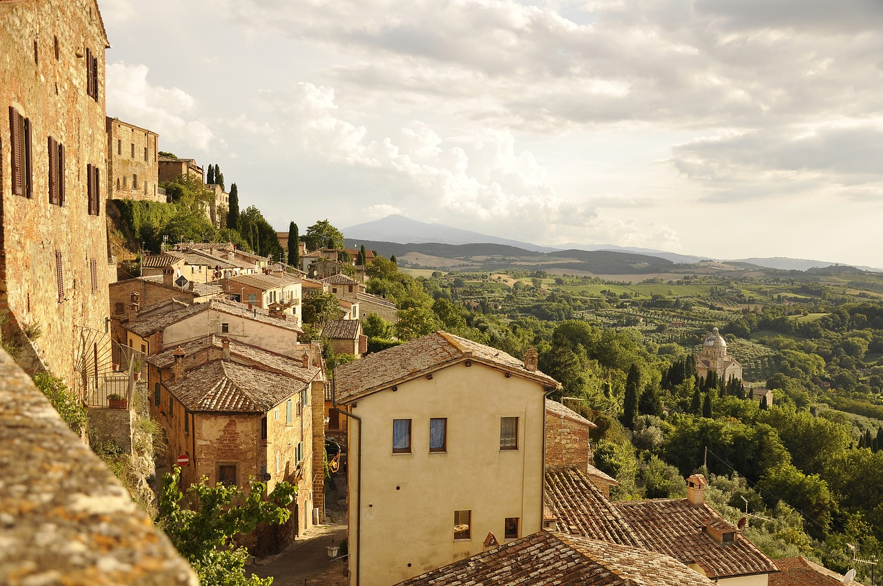 holiday homes tuscany views