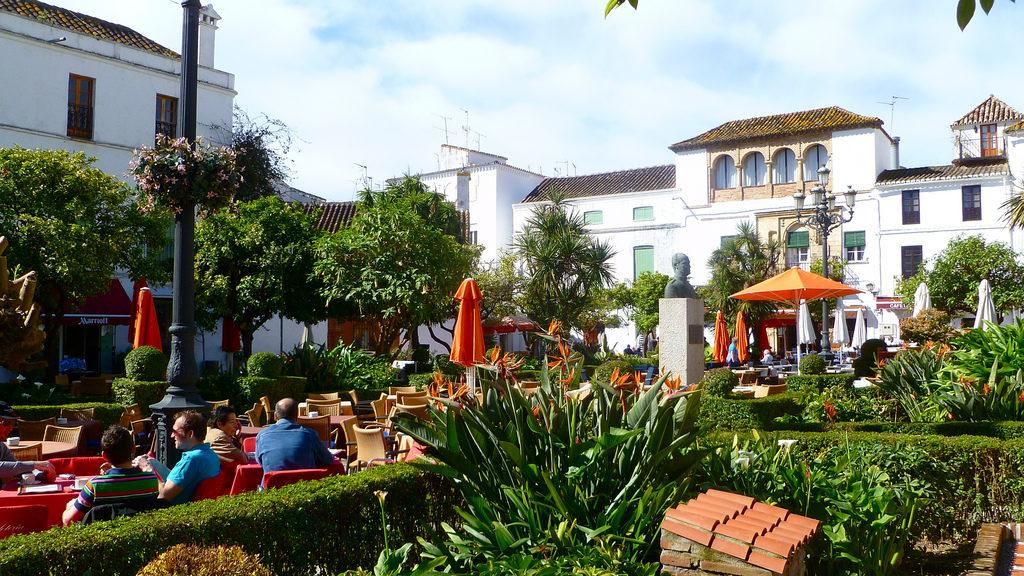 Plaza de los Naranjos | Foto: Herry Lawford, Flickr