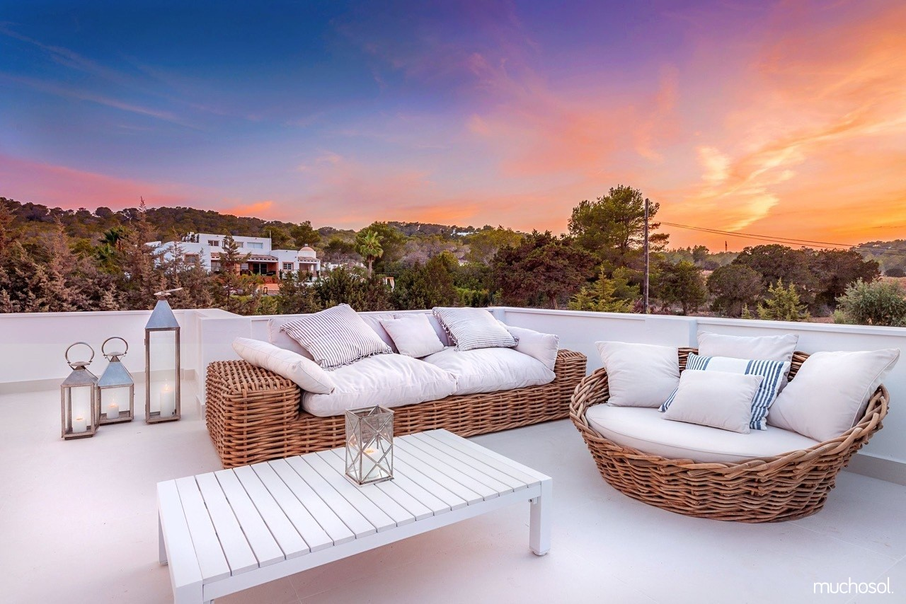 villas on ibiza header muchosol