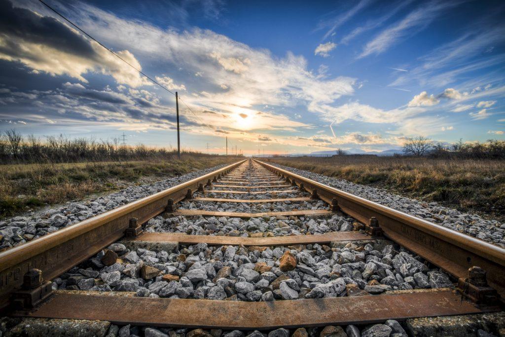organise a trip in 7 steps railway