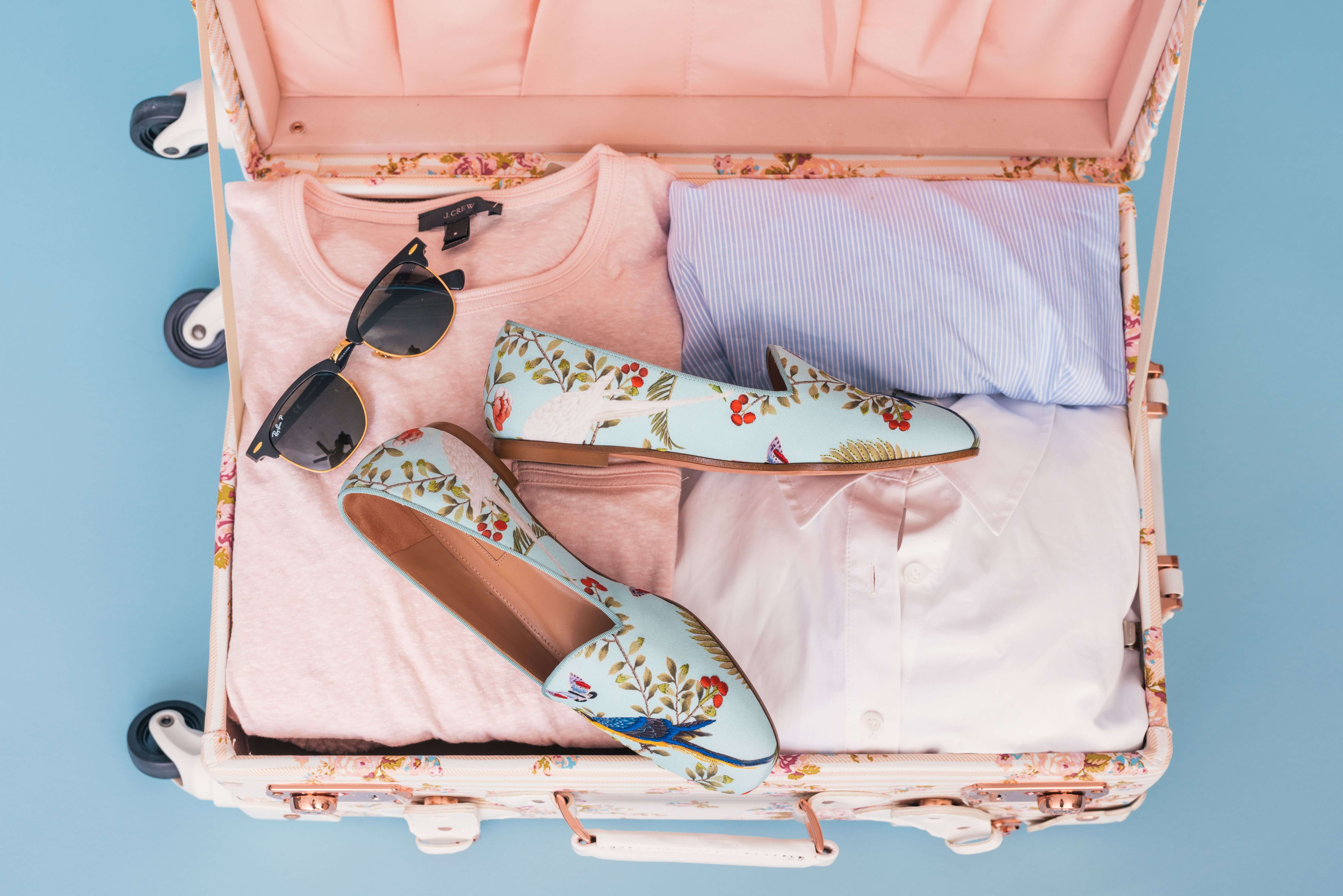 how to pack a suitcase header