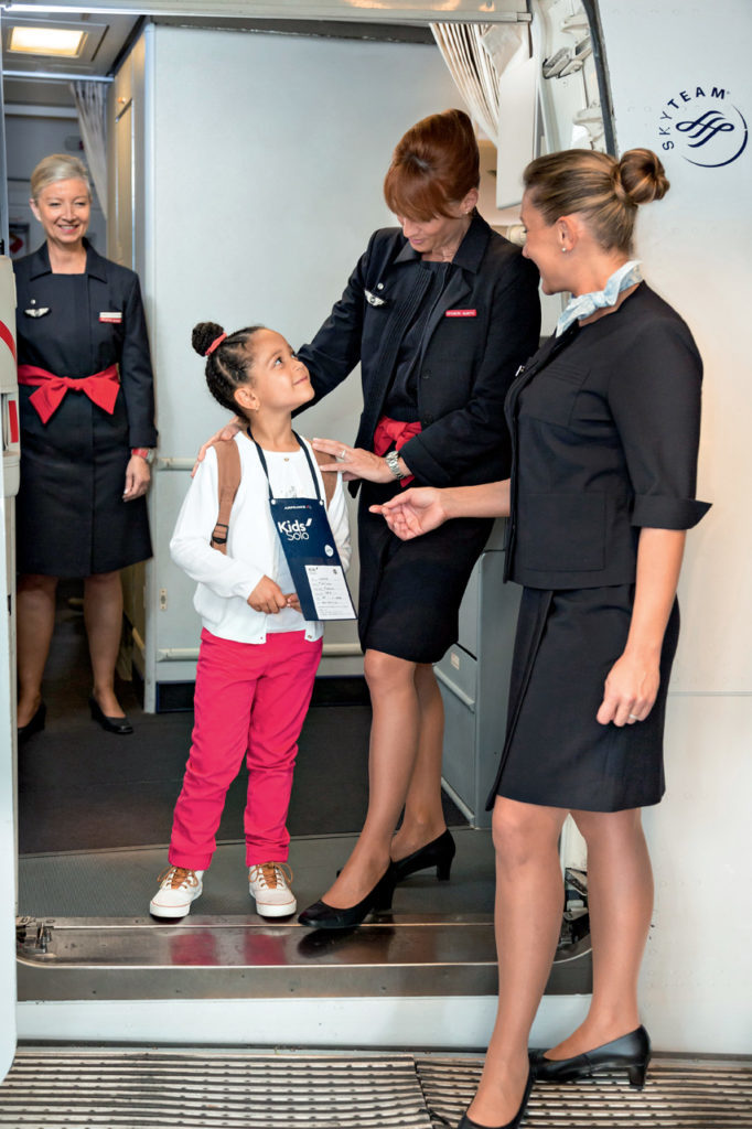 the best airlines to travel with a child