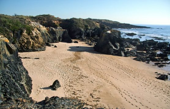 nudist-beaches-in-the-Algarve